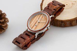Holzspecht Armbanduhr Feuerkogel aus Holz und Metall